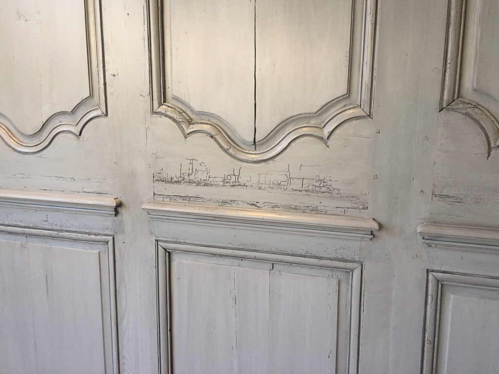 Antique finish for wood wall paneling